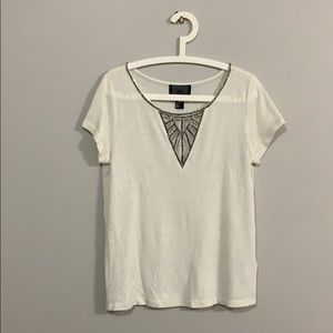 2/$15 ✨ H&M embroidered t-shirt